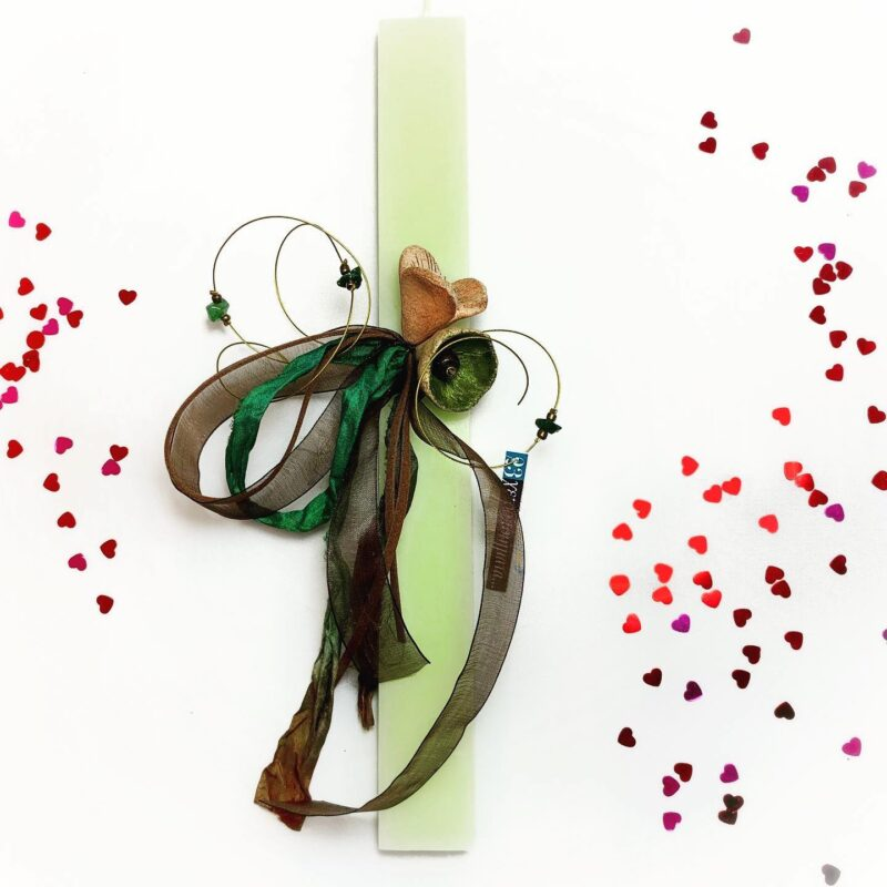 λαμπαδα χειροποιητη με λουλουδια