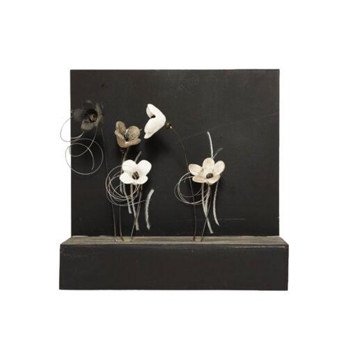 Χειροποιητο Ξυλινο Καδρο με Ασπρομαυρα Λουλουδια